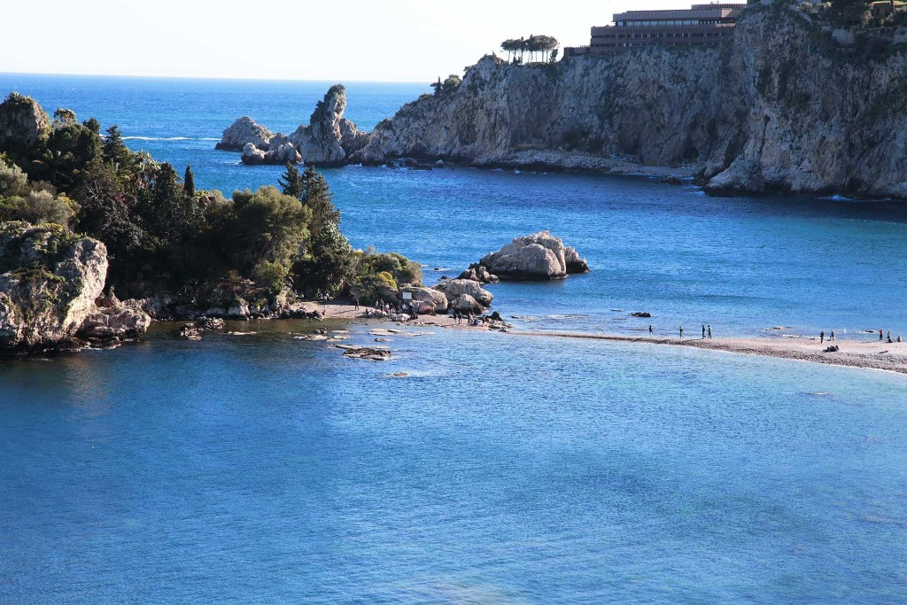 Sardinia Yacht Charter – Seductive Costa Smeralda