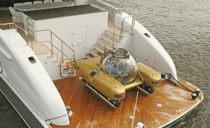 Submarine on motor yacht AMARULA SUN Sailing Yacht Charter vs. Motor Yacht Charter - that IS the question...