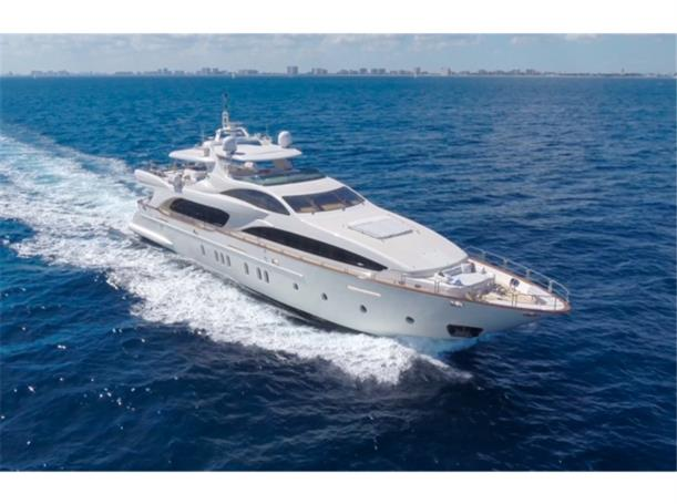 Price Reduction on HAPPY HOUR 116' AZIMUT