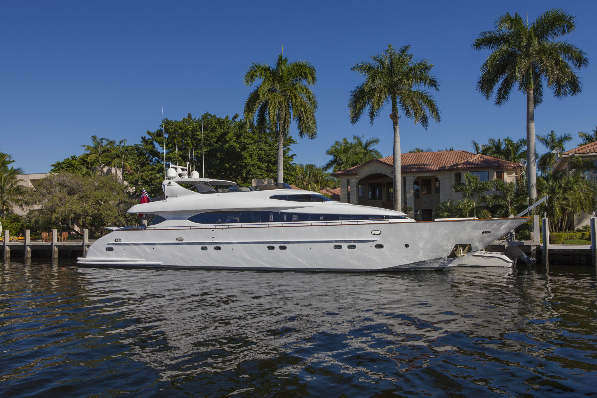 The motor yacht SASHAY sold by Worth Avenue Yachts in April 2015