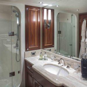 M/Y Antares yacht for sale, bathroom 2.