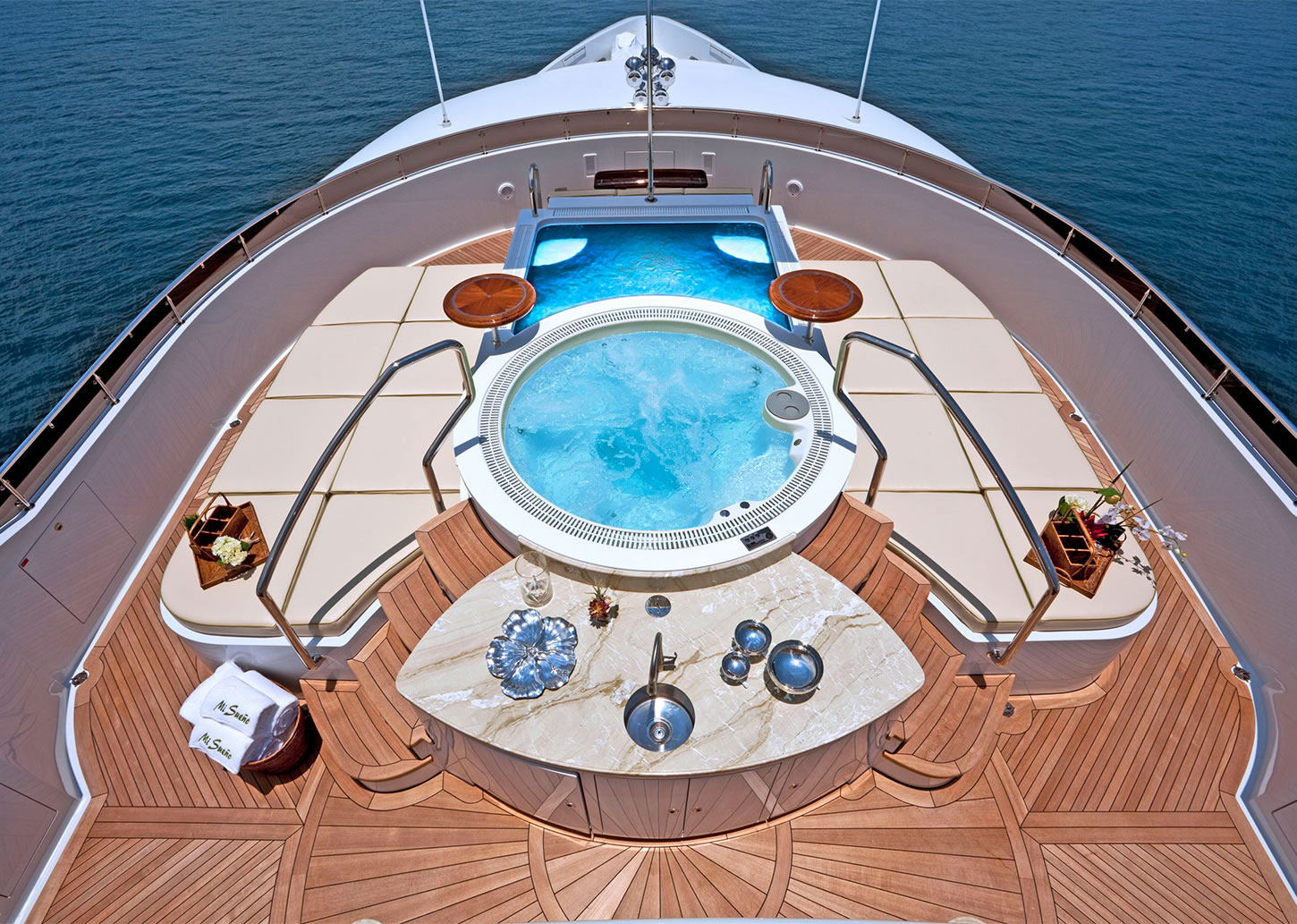 Luxury Yacht Sales | Worth Avenue Yachts - Leading yacht brokers