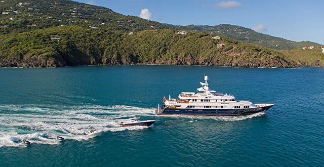 BROADWATER_yacht-for-charter