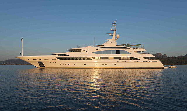 MineGames_yacht-for-charter