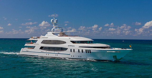 SKYFALL_yacht-for-charter