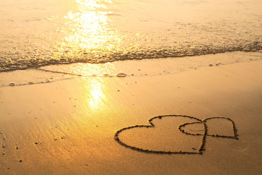 honeymoon yacht charter hearts on the beach
