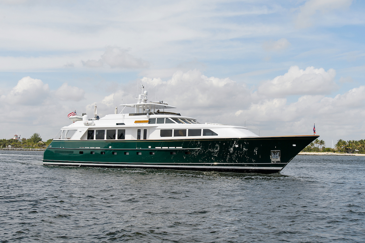Yacht for sale SILVER SEAS, a 107ft Burger motor yacht - bow profile