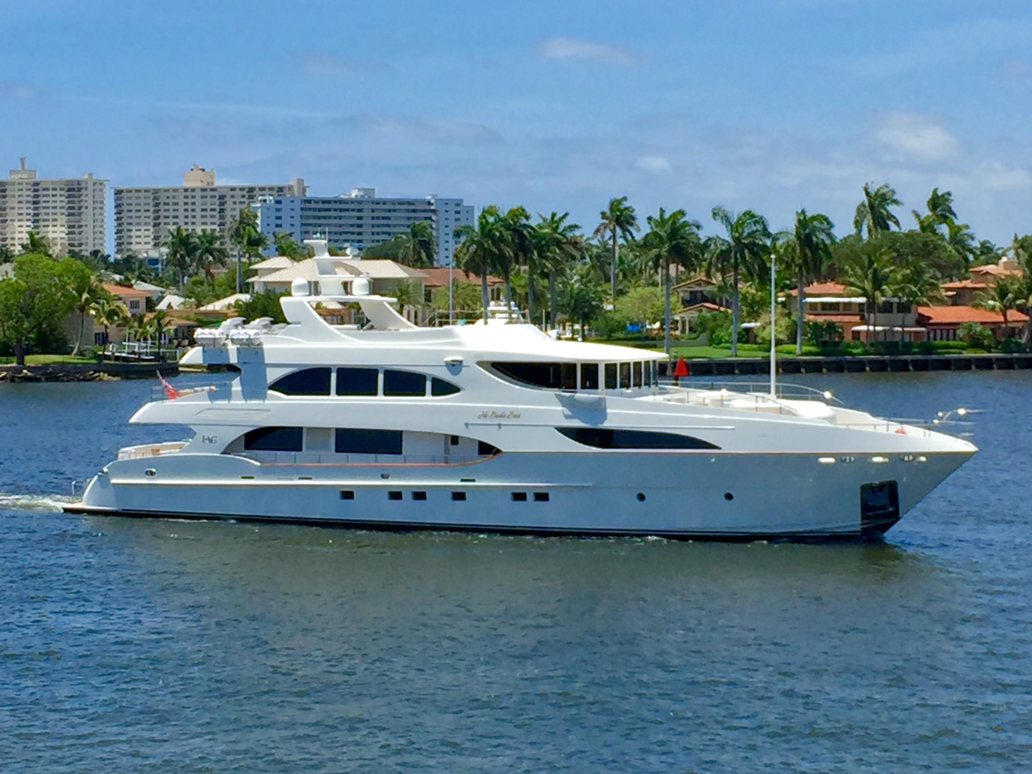 Luxury Yacht NO BADA BEES 127′ IAG 2010 For Sale