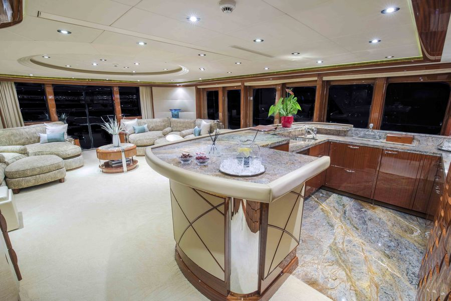 Skylounge Worth Avenue Yachts_152 Hakvoort_ALLEGRIA_LR_Interior