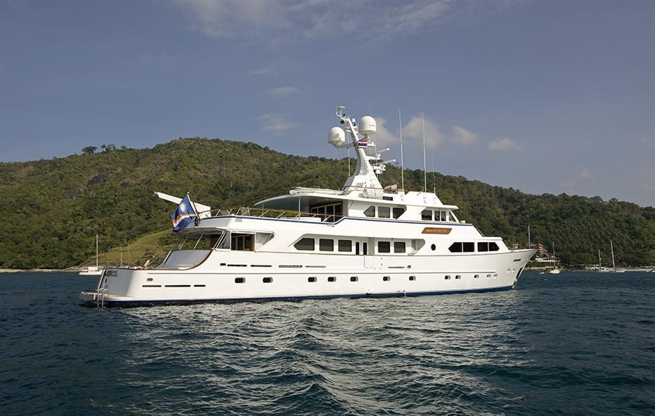 explorer yacht MAVERICK 138' Sterling Yachts for sale