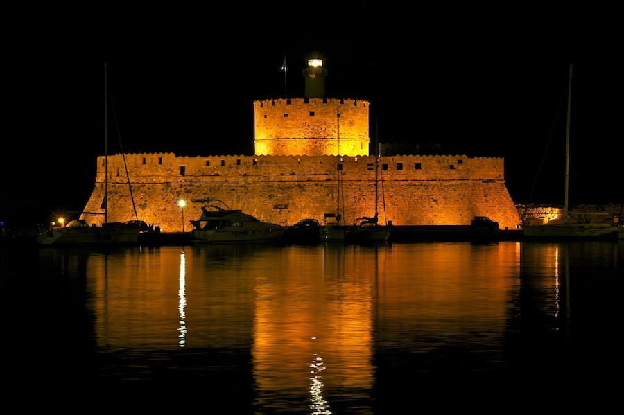 Best Island Beaches For Partying Mykonos St Barts: Greek Island Yacht Charter