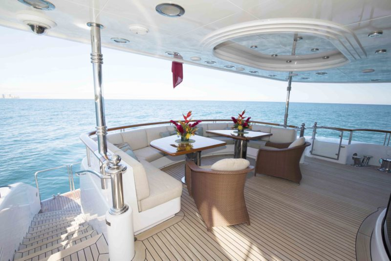 152' HAKVOORT YACHT ALLEGRIA FOR SALE DINING