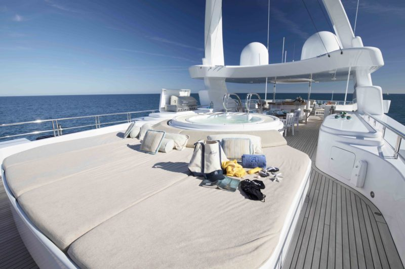 152' HAKVOORT YACHT ALLEGRIA FOR SALE SUN PADS