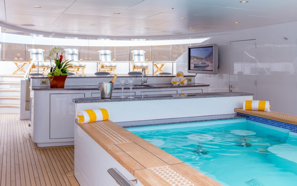 180' NEWCASTLE YACHT SOVEREIGN FOR SALE OUTDOOR BAR