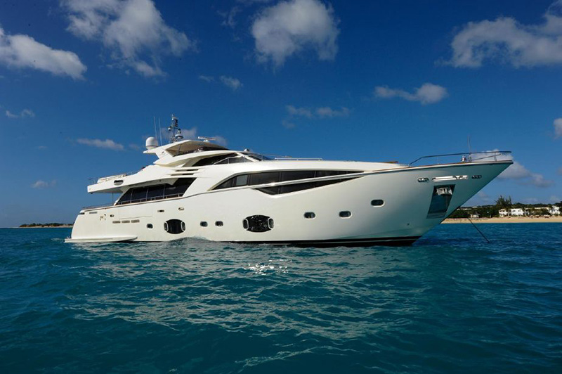 Luxury Yacht Available for Charter in Florida