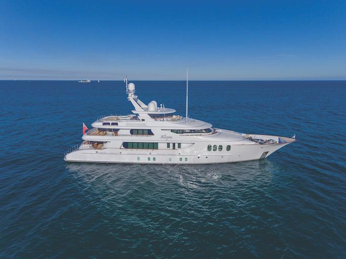 Dutch yacht builders Hakvoort yacht ALLEGRIA