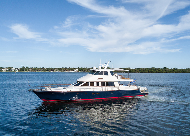 New Central Listing: 80′ Hunt Yacht