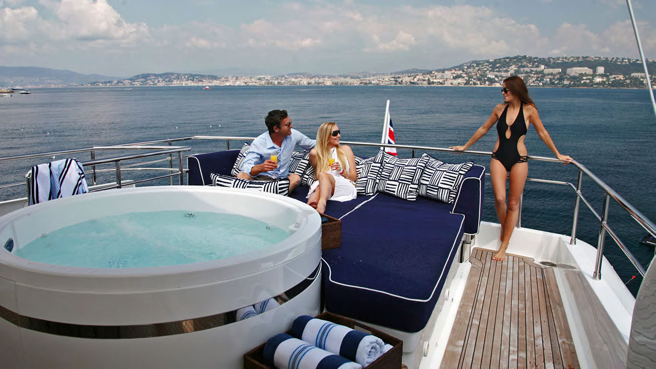 ASHA Special Offer: €40,000 for May charters!