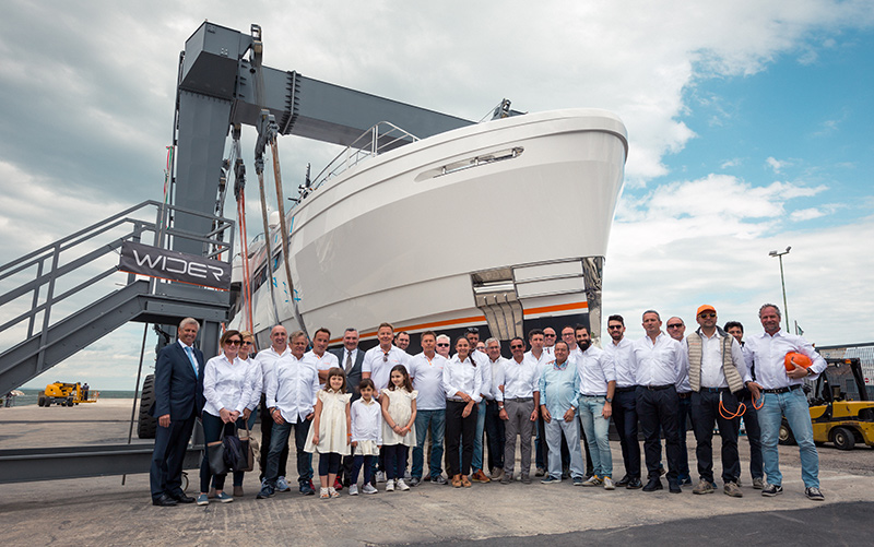 Wider Yachts for sale shipyard crew