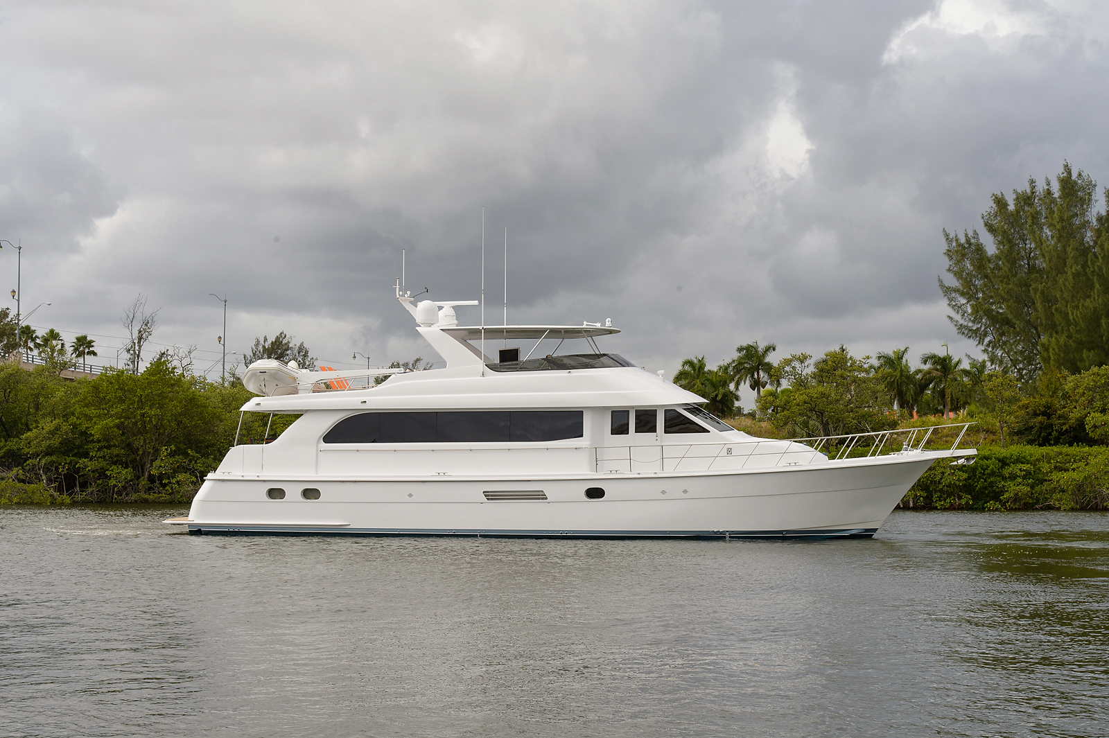 Hatteras Yachts Available for Sale   Worth Avenue Yachts