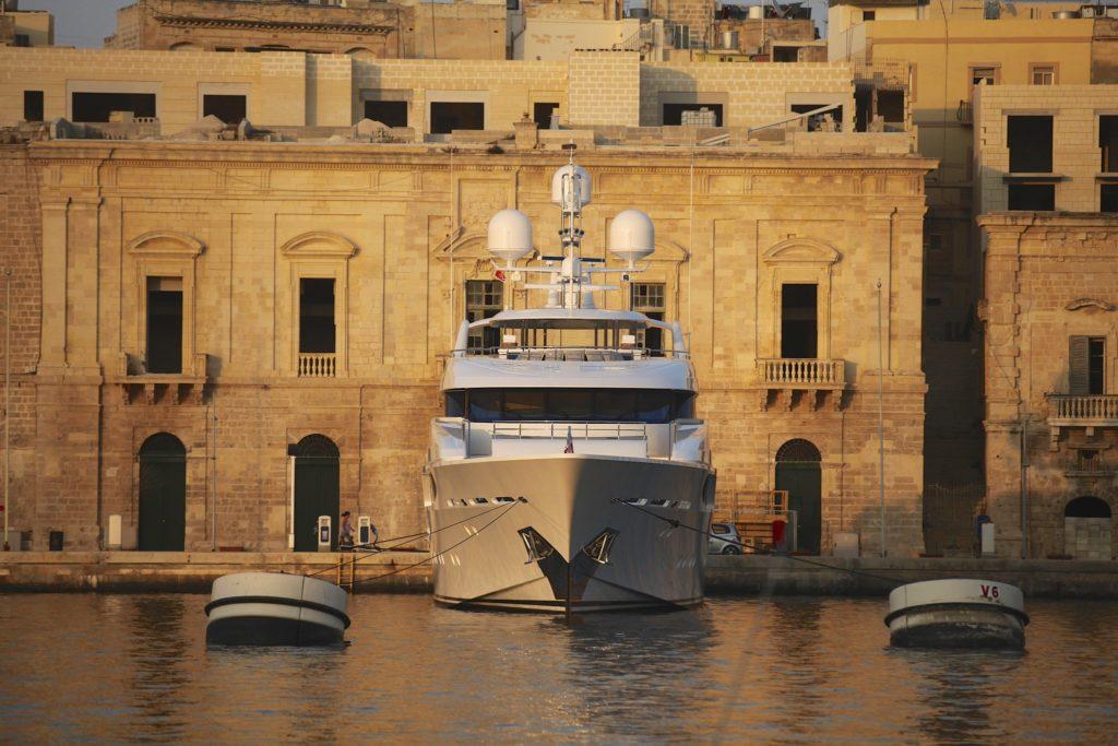 2018 Westport Yachts 164
