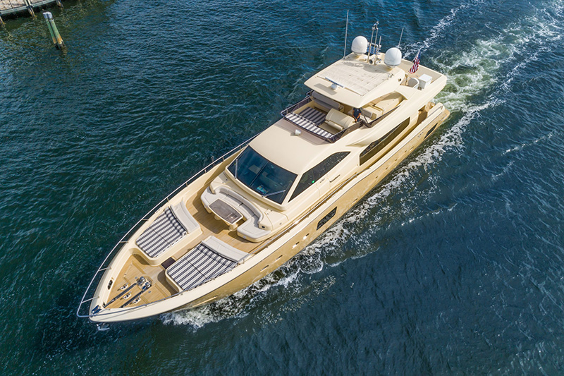 FERRETTI Altura 840 2010 SEVEN DIAMONDS 84 Ferretti for sale