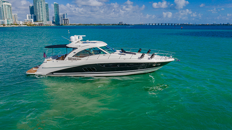 SeaRay 610 Sundancer – A Look Inside