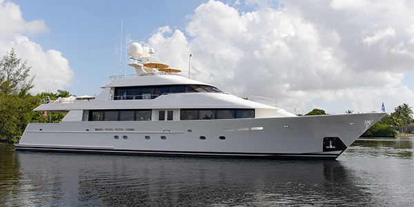 The 40m Relentless yacht (ex: Horizon) was built in 2005 by Westport. She features an exterior design by Gregory C. Marshall and an interior by Pacific Custom Interiors. She cruises at 24 knots and reaches a top speed of 28.0 kn. She can sleep up to 10 guests taken care of by a crew of 7.