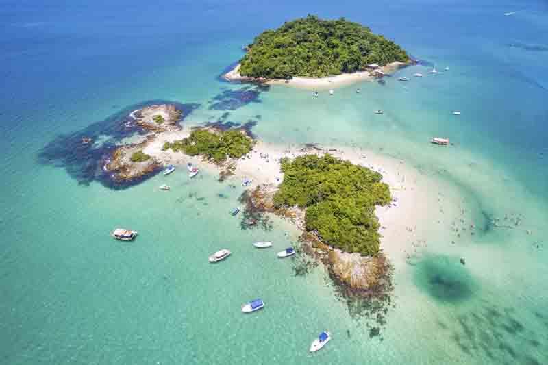 Island range on a Brazil yacht charter