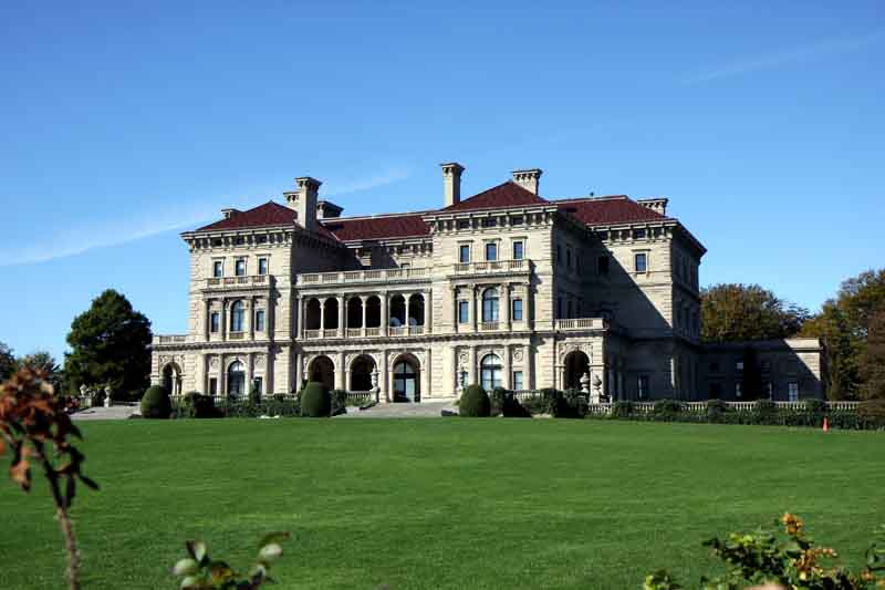 Historical building in Newport on Portland yacht charter