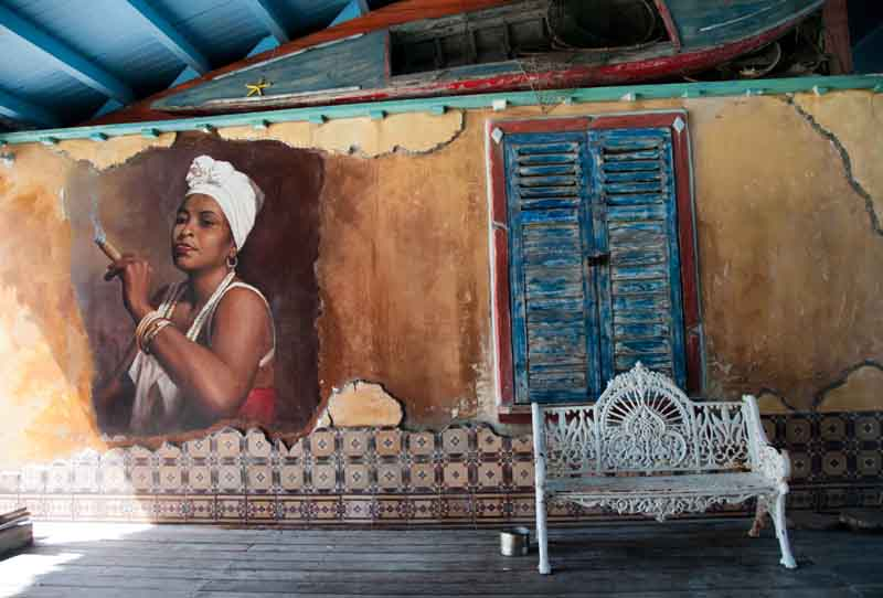 Mural in Havana on a yacht charter itinerary Cuba