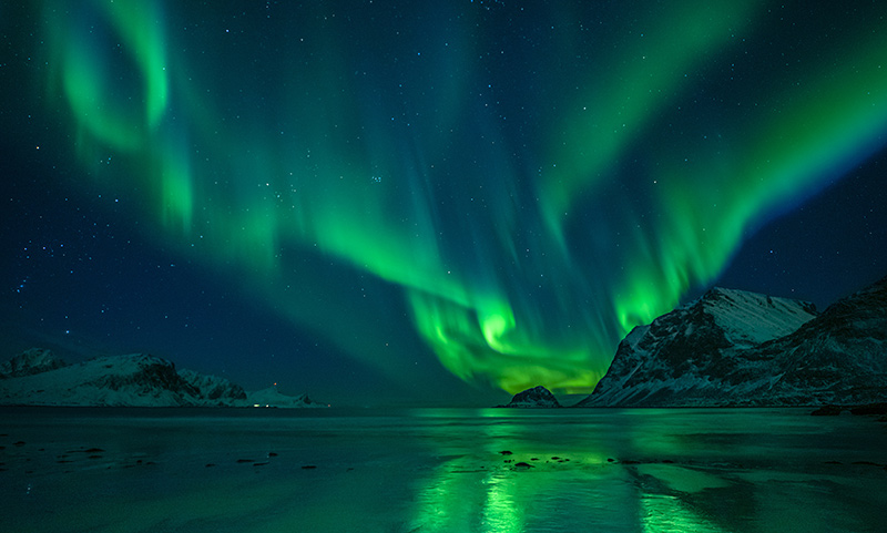 Aurora borealis on a yacht charter itinerary in Glacier Bay
