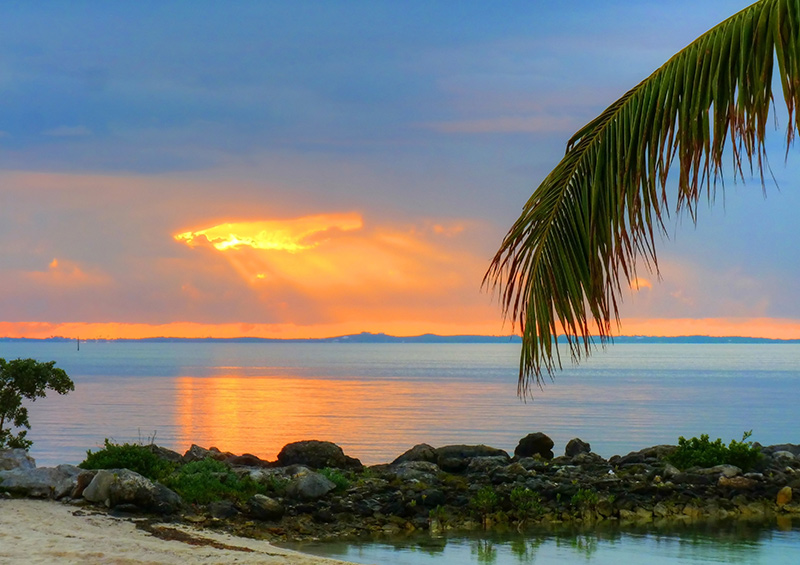 Beach sunset on a yacht charter itinerary Abacos