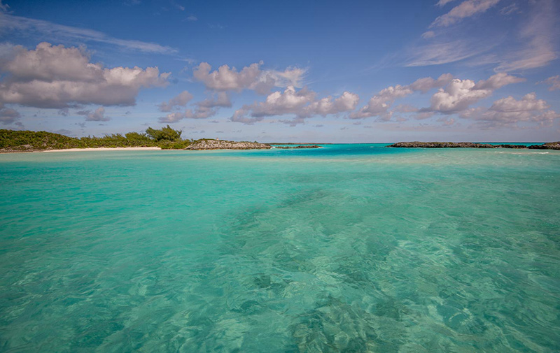 Turquoise water bay on yacht charter itinerary Bahamas