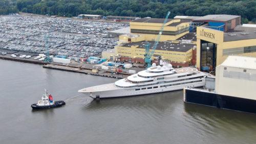 Lurssen-yacht-SCHEHERAZADE-leaving-Lurssen