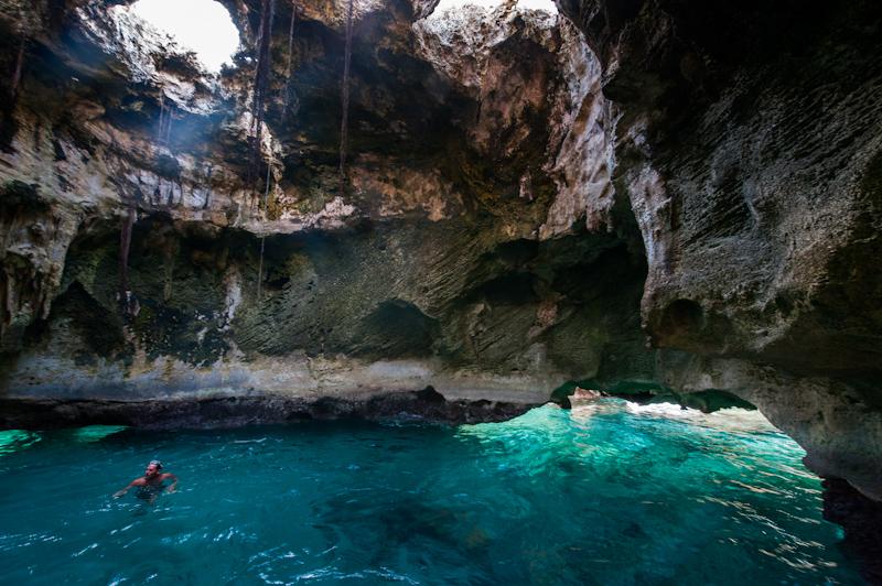 Thunderball-grotto-near-Staniel-Cay